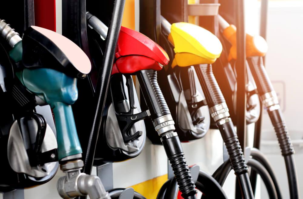 Mengoplos BBM RON 92 dan RON 95, Bahayakah untuk Kendaraan?